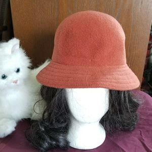 Kango design Burnt orange cloche hat